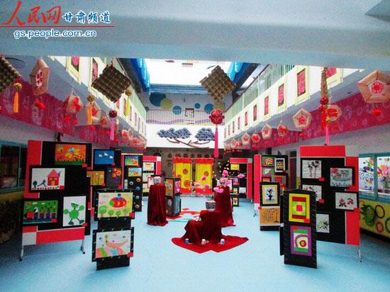 永靖县太极幼儿园举行迎新年美工作品展