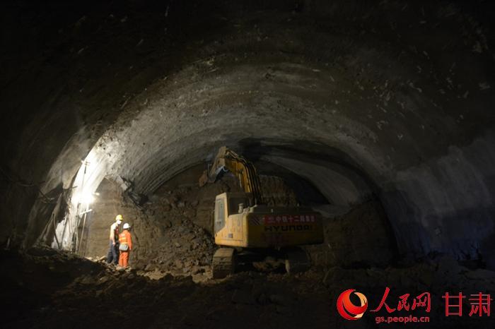 隧道挖掘设计图