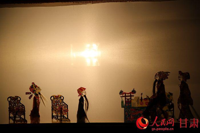甘肃通渭原创皮影戏《药王孙思邈》赴京v药王奏球节视频图片
