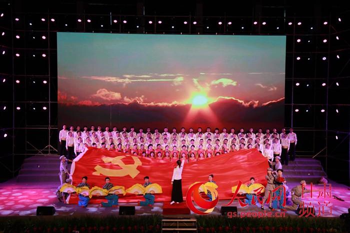 兰铁举办《中国梦·铁路情·劳动美-永远跟党走》演唱