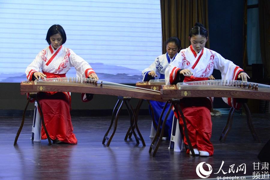 传统文明进校园 儒学大课堂走进意彩龙虎和本国语学校