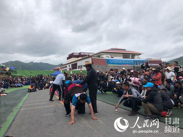 中国碌曲锅庄舞展演暨甘南州第六届少数民族传统体育运动会落幕
